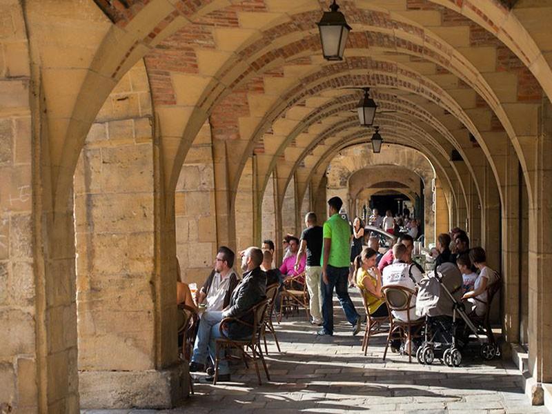 Place Ducale - Arcades