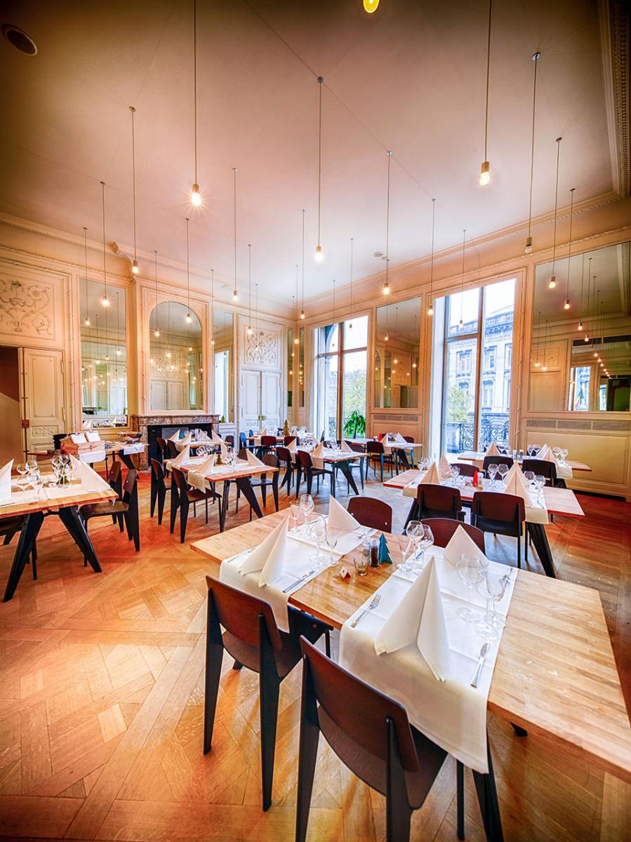 Restaurant des Théâtre de Liège - weißes Wohnzimmer