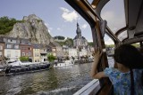 Schifffahrt auf der Maas in Dinant