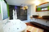 Royal Hotel-Restaurant Bonhomme - Zimmer - Badezimmer