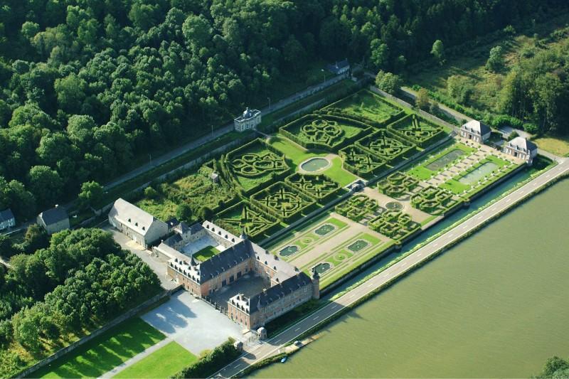 Kasteel en tuinen van Freÿr